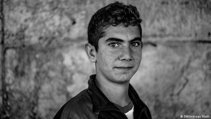 Jesiden im Nordirak Flüchtlinge Flüchtlingslager Ruine Flüchtling