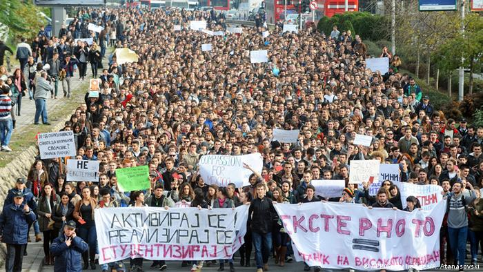 Studenten Demo in Skopje 17.11.2014 (AFP/Getty Images/R. Atanasovski)