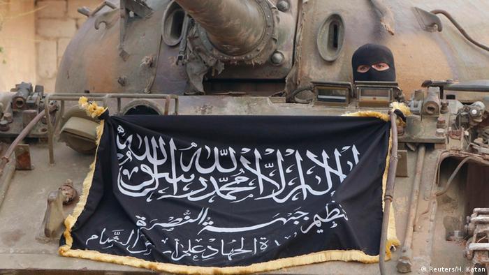 Al-Nusra Front Kämpfer an der Front bei Aleppo 25.11.2014