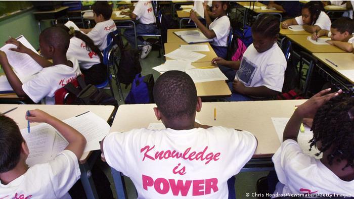 USA Schule Klassenraum Schwarze Schüler Unterricht Bildung