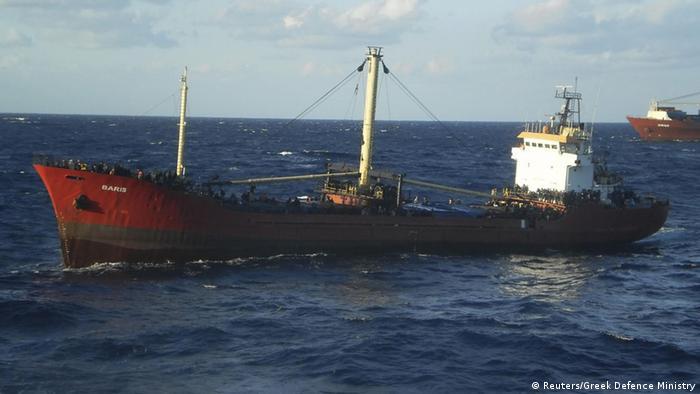 Der Frachter Baris vor Kreta (Foto: Reuters)