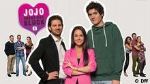 """Die Protagonisten des Video-Sprachkurses """"Jojo sucht das Glück"""" neben dem Logo des Kurses (DW)"""