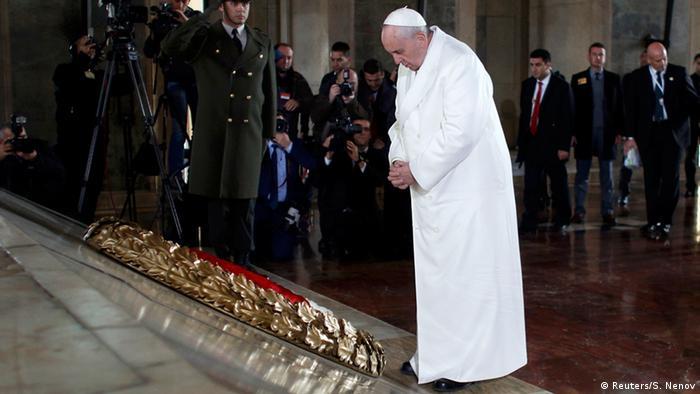 Papst Franziskus besucht die Türkei 28.11.2014 Atatürk Mausoleum (Reuters/S. Nenov)