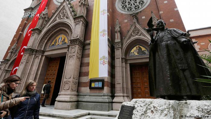 Papst Franziskus besucht die Türkei 28.11.2014 Kirche in Istanbul