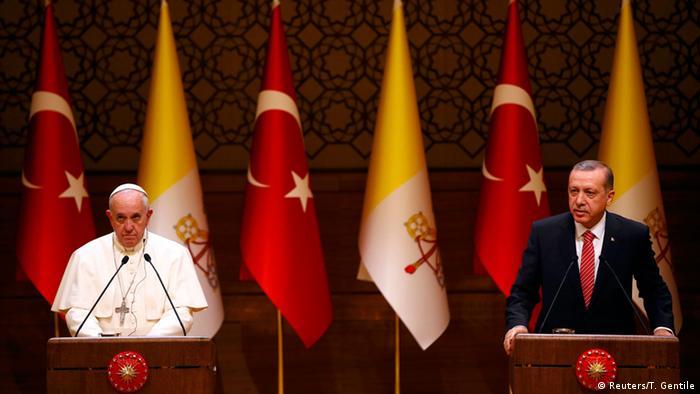 Milyonlarca dolara 14 kilise onaran Erdoğan Vatikan yolcusu