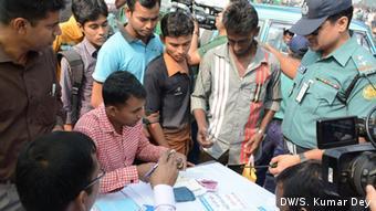 Bangladesh Daccar Gericht unterbindet verkehrswidriges Verhalten von Fußgängern