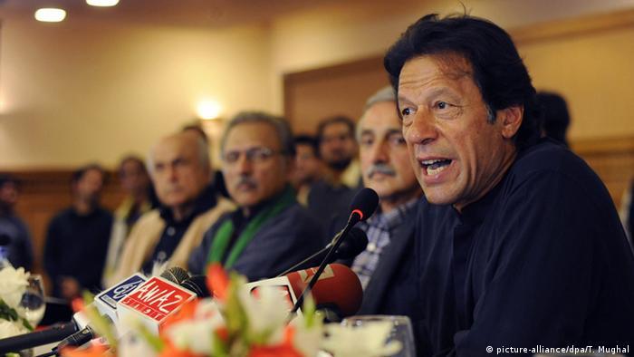 Pakistan Islamabad Imran Khan (picture-alliance/dpa/T. Mughal)