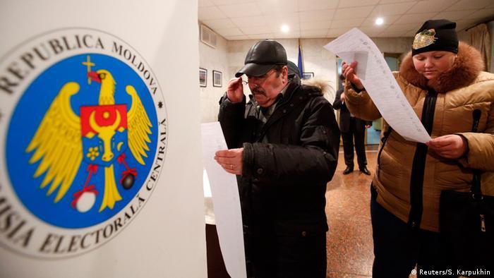 Alegerile din noiembrie 2014 (Reuters/S. Karpukhin)