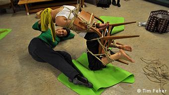 Shibari yoga course with bondage in Berlin, Copyright: Tim Feher