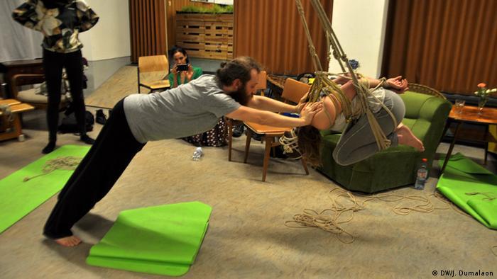 Deutschland Berliner Erotik-Yoga Lehrerin Dasniya