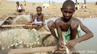 Symbolbild Moderne Sklaverei Menschenhandel Ghana