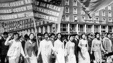 Vietnamesische Auszubildende und Studenten 01.05.1971 Dresden