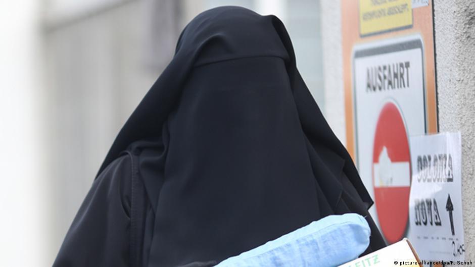 В дюссельдорфской школе запретили скрывать лица мусульманам