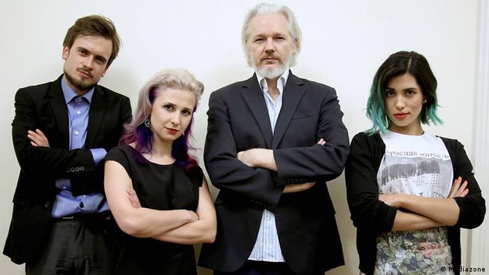 У нас много общего: Петр Верзилов, Мария Алехина и Надежда Толоконникова с Джулианом Ассанжем