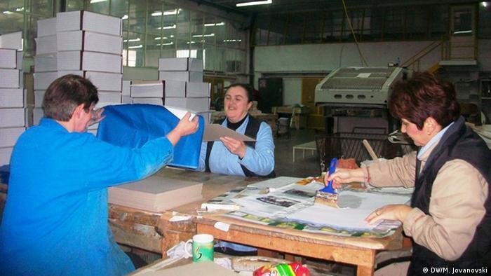 Mitarbeiter in der Druckerei Kosta Abras in Ohrid