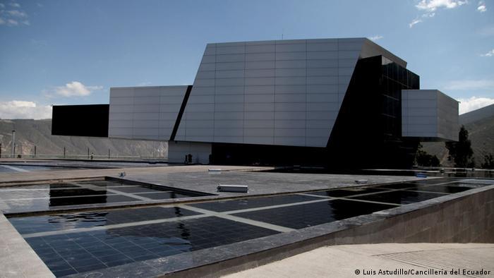 Unasul inaugura nova sede com apelo por maior integração regional