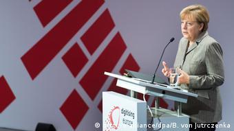 Merkel spricht bei einer Konferenz des Unternehmens Vodafone (Foto: dpa)