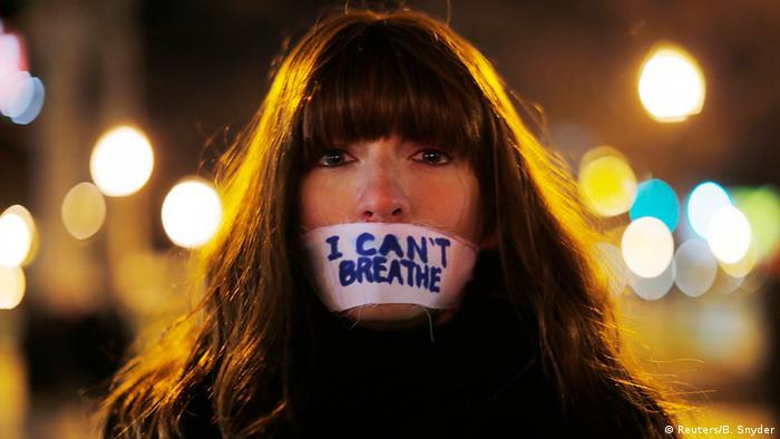USA Proteste gegen Polizeigewalt in New York Demonstrant