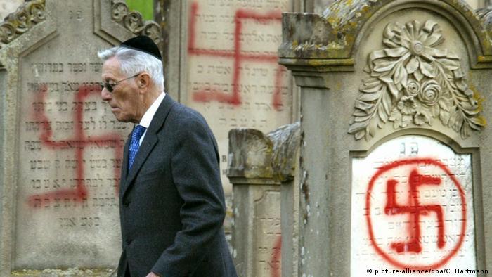 Morminte evreieşti pângărite în Franţ