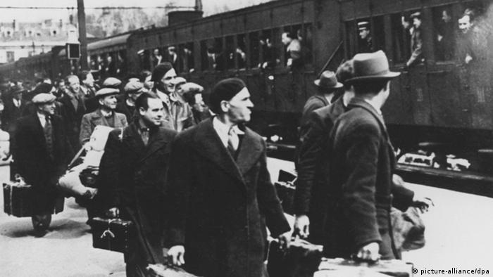 Foreign Jews in Mai 1941south of Paris before being deported to Auschwitz concentration camp