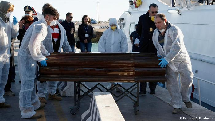 Tod von Flüchlingen Schiff vor Sizilien 05.12.2014