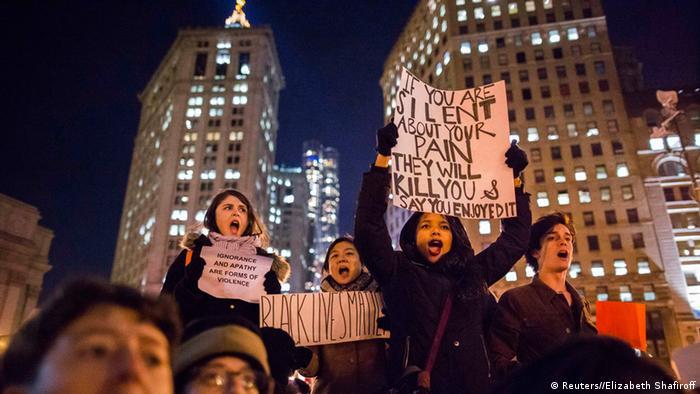 USA Proteste gegen Polizeigewalt in New York Demonstranten 05.12.2014