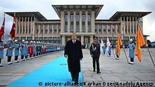 Türkei Ankara Erdogan vor neuem Präsidentenpalast 01.12.2014