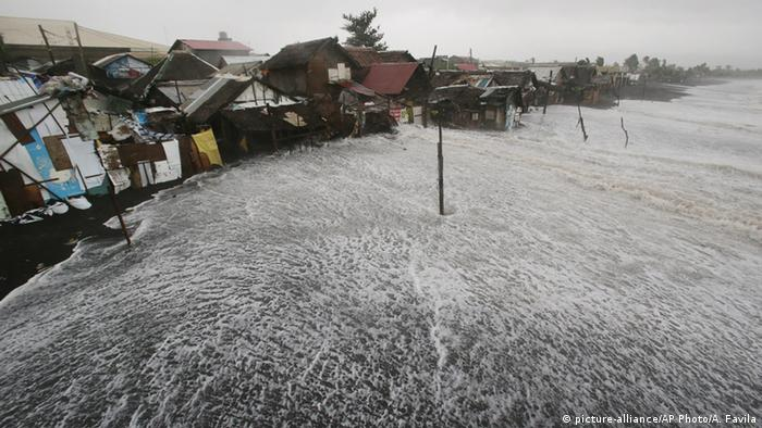 Philippinen Taifun Hagupit 07.12.2014 (Foto: picture-alliance/AP Photo)