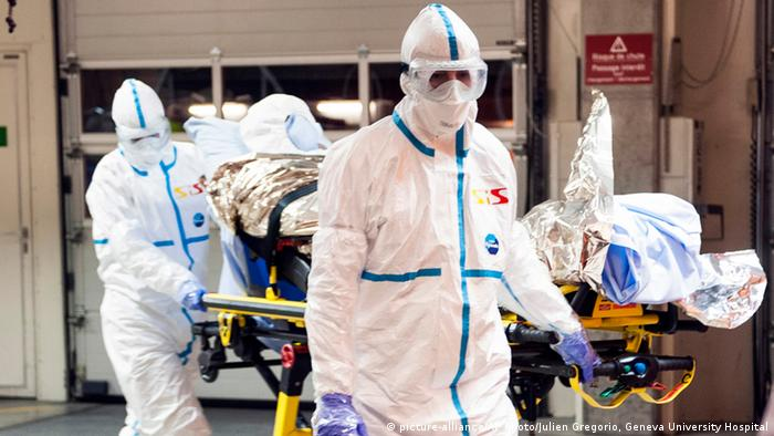 Genf Aufnahme Ebola-Patient Felix Baez Sarria 21.11.2014 (picture-alliance/AP Photo/Julien Gregorio, Geneva University Hospital)