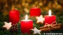 advent; zweiter; 2; kerze; kerzen; anzünden; adventskranz; adventskerze; weihnachtskranz; adventssonntag; weihnachten; sonntag; adventkranz; heiligabend; weihnachtskarte; kerzenlicht; kerzenschein; kranz; lichter; rot; adventslicht; stimmungsvoll; weihnachtszeit; adventszeit; fest; feier; dekoration; weihnachtlich; warm; flamme; weihnachtsfest; adventskerzen; tannenzweig; brennen; gesteck; festlich; weihnacht; dekorieren; weihnachtsmotiv; brennende; hintergrund; grün; rote; deutschland; licht; 4; gold; golden; anbrennen; adventkerze Zweiter Advent