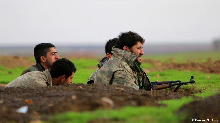 Kurdski borci na frontu