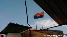 Luanda, Angola Movimento Revolucionario Flagge von MPLA