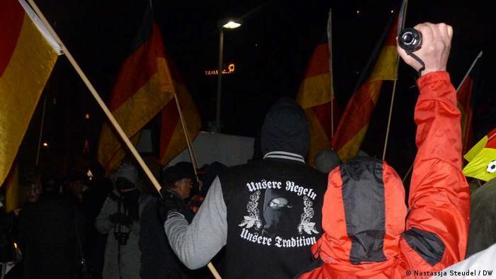 Dügida-Kundgebung in Düsseldorf (Foto: nastassja Steudel/ DW)