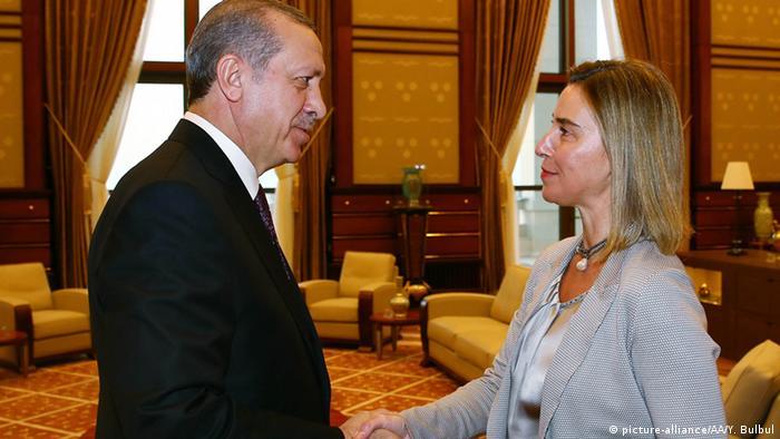 Mogherini bei Erdogan 08.12.2014