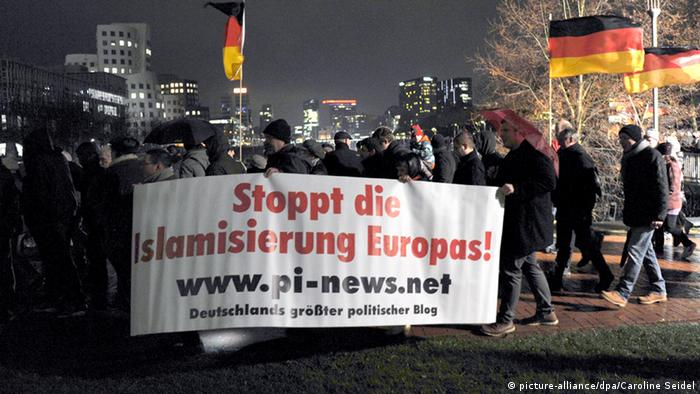 Düsseldorf, demonstracija
