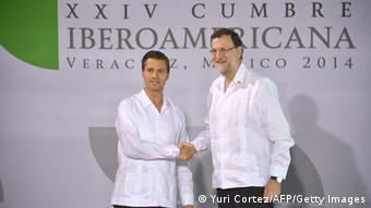 El presidente de México, Enrique Peña Nieto (izq.), y su homólogo español, Mariano Rajoy, en la 24ª Cumbre Iberoamericana.