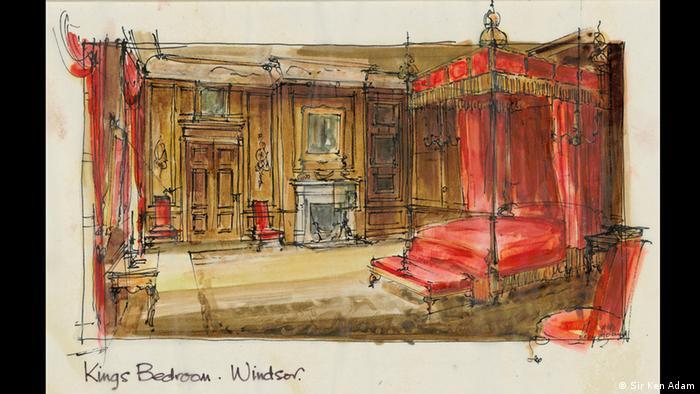 Eine Zeichnung zeigt den Schlafraum von King George, den Ken Adam 1994 für den Film King George - Ein Königsreich für mehr Verstand entwarf. Zu sehen ist ein rotes Bett mit einem Baldachin.