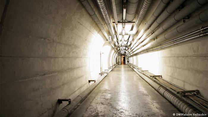 Туннель в бункере