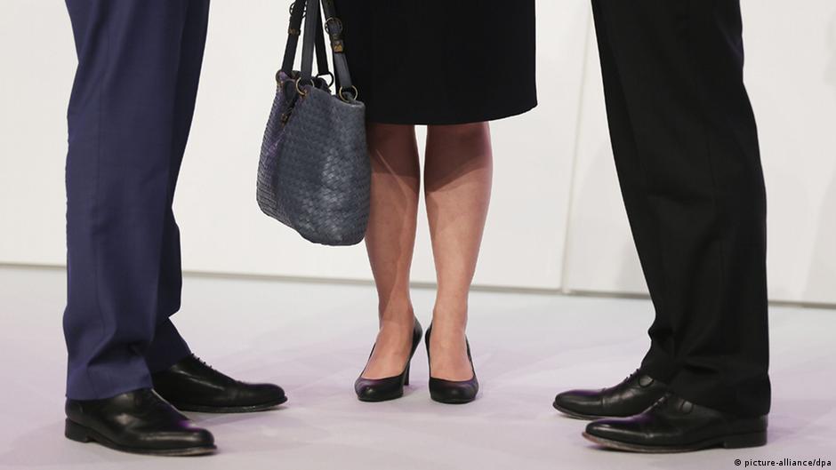 Alemanha aprova cota para mulheres em grandes empresas | DW | 06.03.2015