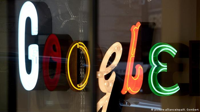 Google Logo Firmensitz in New York (picture-alliance/epa/A. Gombert)