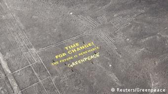 Greenpeace Time for Change banner in Peru