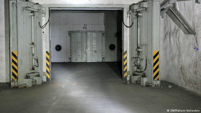 Герметические ворота в бункере
