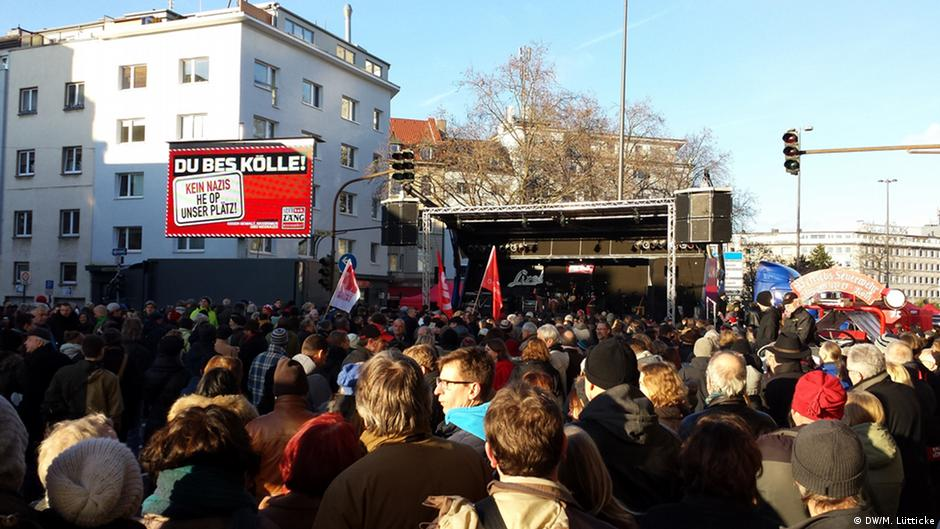 Thousands march in Cologne to protest xenophobia   DW   14.12.2014