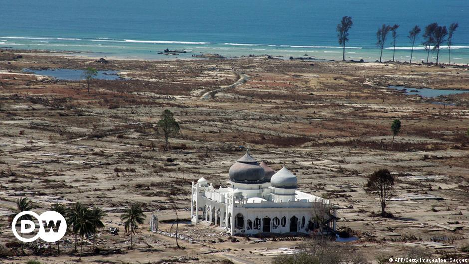 Ten Years After The Tsunami How Has Aceh Changed Asia An In Depth Look At News From Across The Continent Dw 24 12 2014