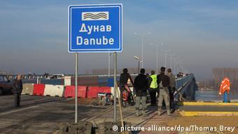 Neue Donaubrücke in Belgrad