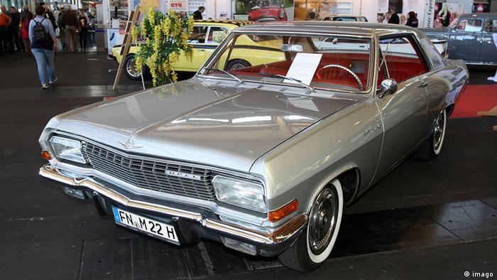 Deutschland Auto Opel Diplomat A Coupe V8