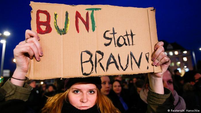 PEGIDA Counter demonstration in Dresden. (Photo: REUTERS/Hannibal Hanschke)