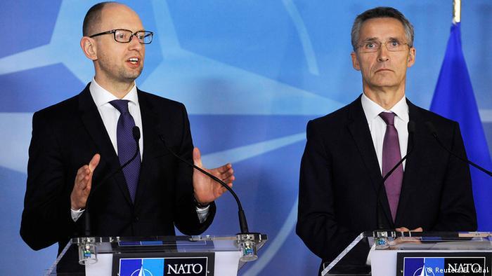 Belgien NATO Ukraine Treffen Arseni Jazenjuk mit Jens Stoltenberg