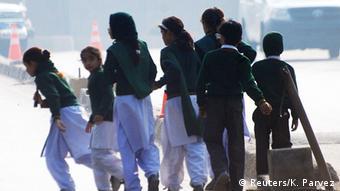 اغلب دانشآموزان این مدرسه فرزندان نظامیان ارتش هستند