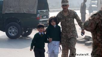 Pakistan Taliban-Überfall auf Schule in Peshawar 16.12.2014
